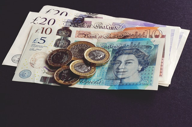 libry – mince a bankovky.jpg