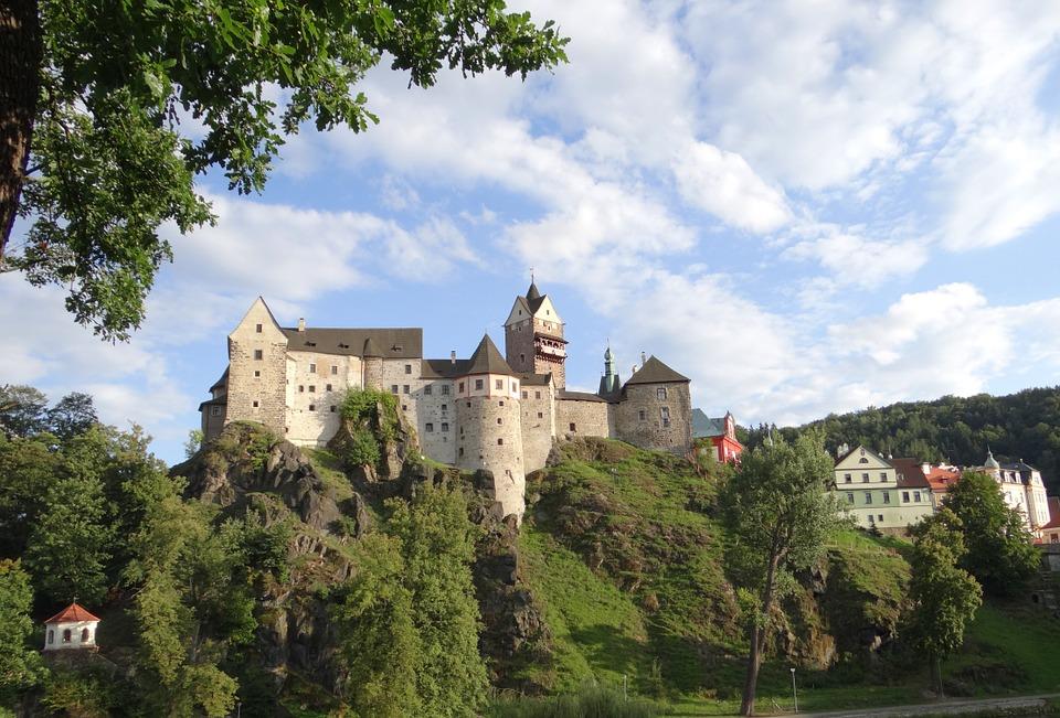 krásný hrad Loket